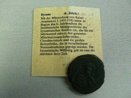 Antik / Byzanz: Kaiser Anastasices I. 491-518 n.Chr., Follis / Bronze